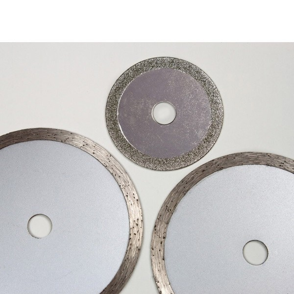 Mini Handkreissäge 600 Watt mit Laser + 6-tlg. Sägeblatt-Set, Tauchsäge Schnitttiefe 22 mm, Sägeblatt 8,5 cm, Kreissäge,, 4031765250351, 4031765207799, 918240, 918426